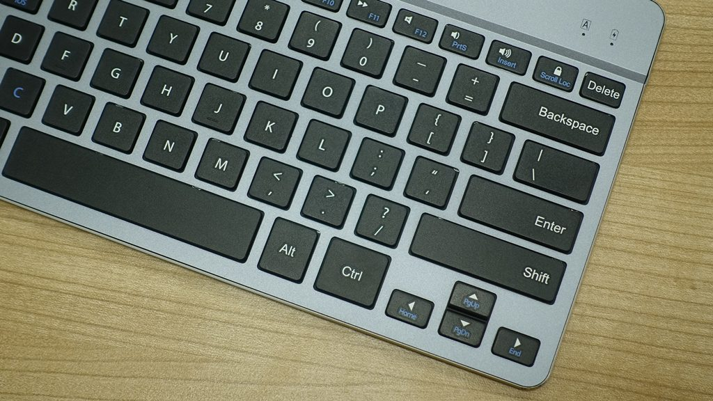 Aukey KM-B9 Bluetooth Keyboard